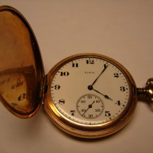 Elgin-Hunter-Pocket-Watch-900x675