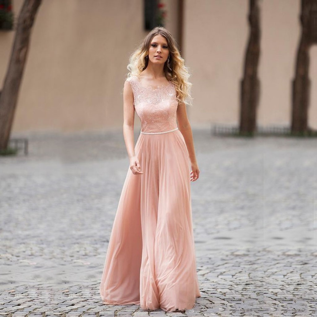 Bridesmaid dresses that flatters all body type mall blogs it is the season of mismatched bridesmaid dresses now women are opting for different styles of dresses or even different shades of on single color ombrellifo Images